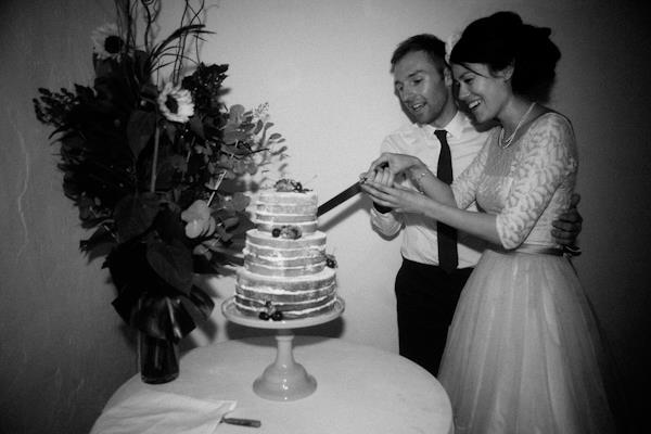 wedding_cake_cutting
